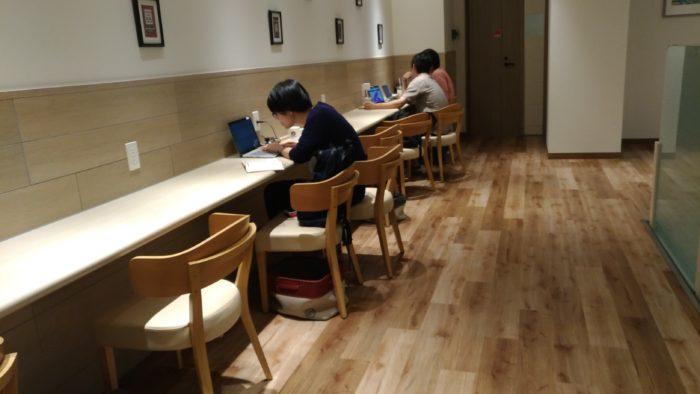 KEY'S CAFE 大阪 本町 ノマド